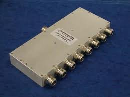 8 way  Power Splitters 698-2700MHz  Features: 